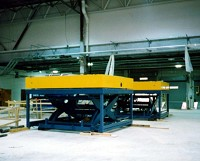 Single scissor material handling lift